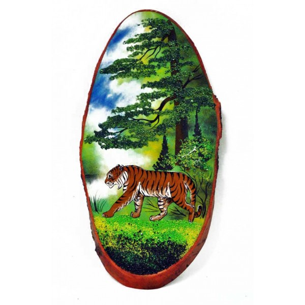 """Painting """"Tiger"""" on a tree cut"""