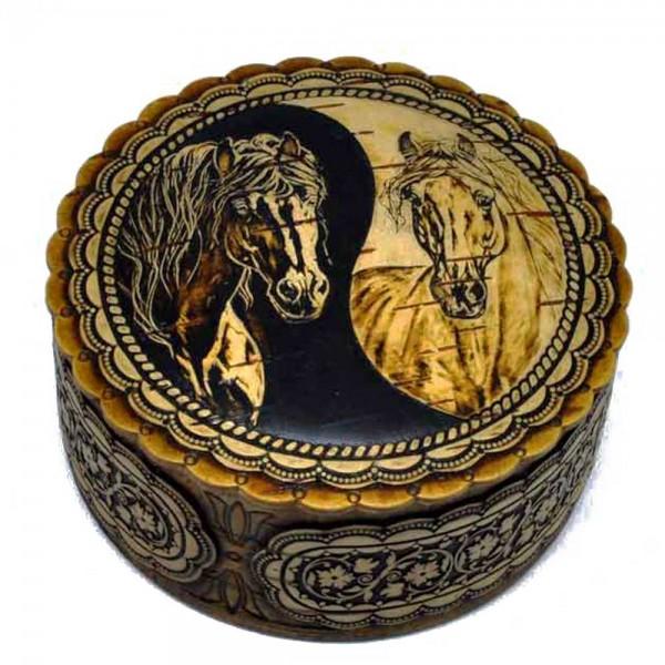 "Box ""Horse"" medium"